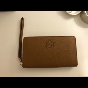 Tory Burch Wristlet Waller